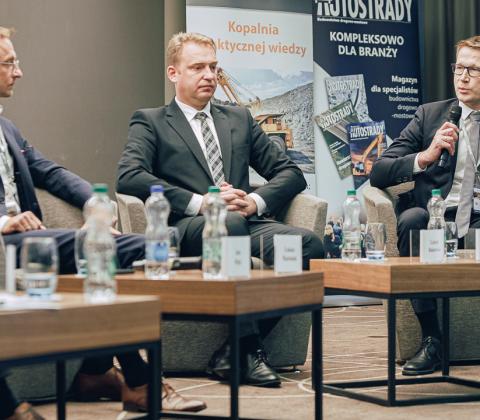 Uczestnicy debaty, od lewej: Łukasz Machniak, Leszek Bukowski, Marcin Okołotowicz